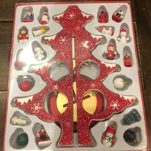 breitner Holiday - Wood Christmas tree and ornaments